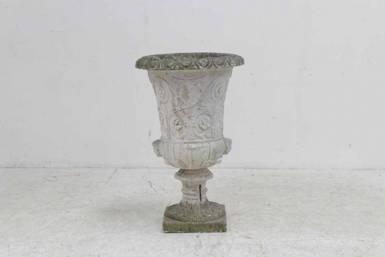 Large 20th century marble Di latte Italian urn