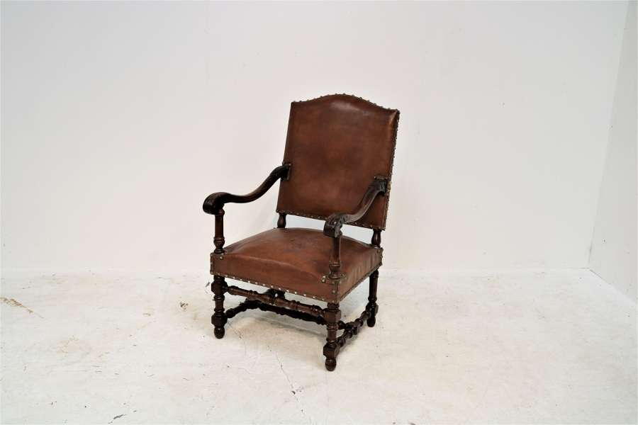 French 19th century walnut elbow chair (original leather)